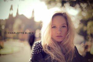 charlott-black-2-700x465_1