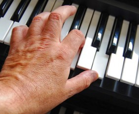 learning-to-play-the-piano-keyboards