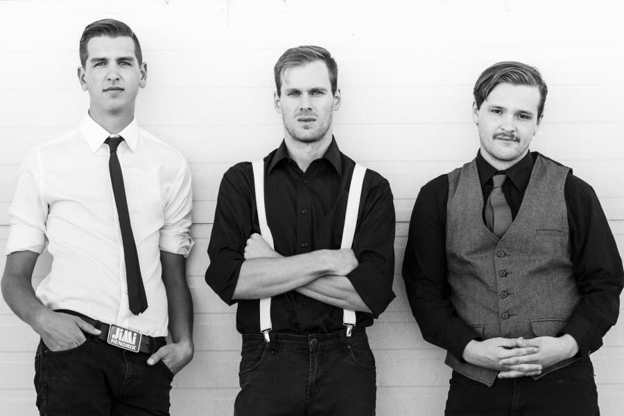 Bonsais three piece band